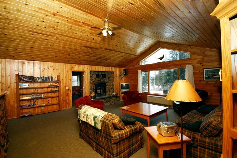Gunflint Lodge Lake home living room (2)