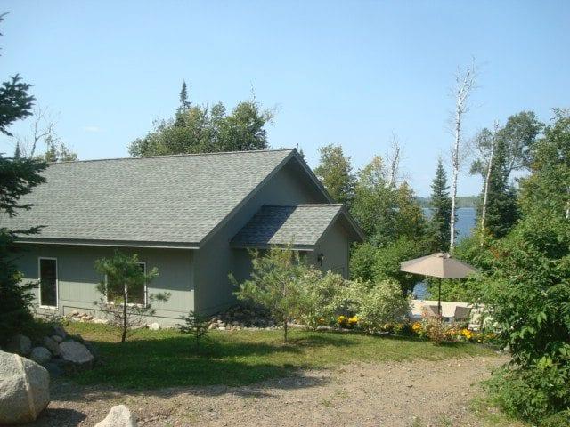 Gunflint Lodge Exterior of cabin 27 lake home