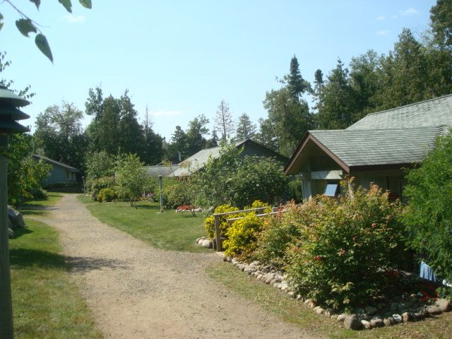 Gunflint Lodge Cabin grounds