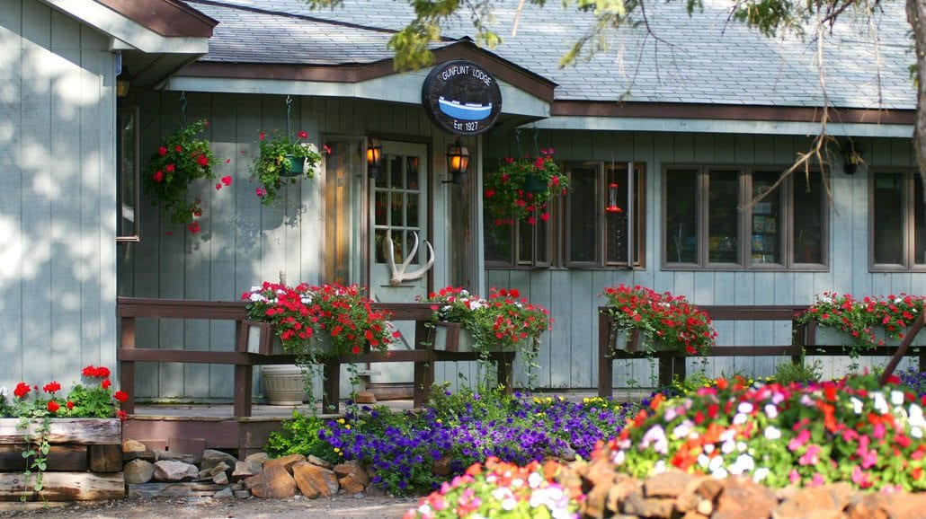 Gunflint Lodge Entrance